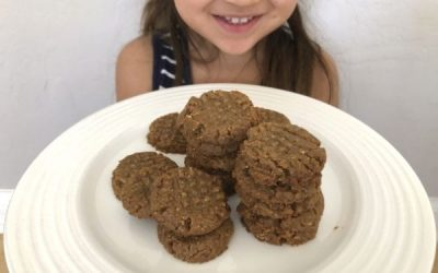 4-Ingredient Peanut Butter Cookies that Kids can Make!