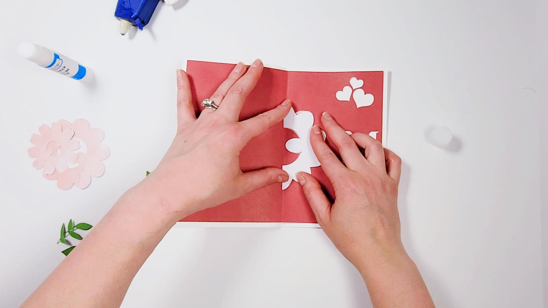 glue a 3d flower to a pop up card for mother's day