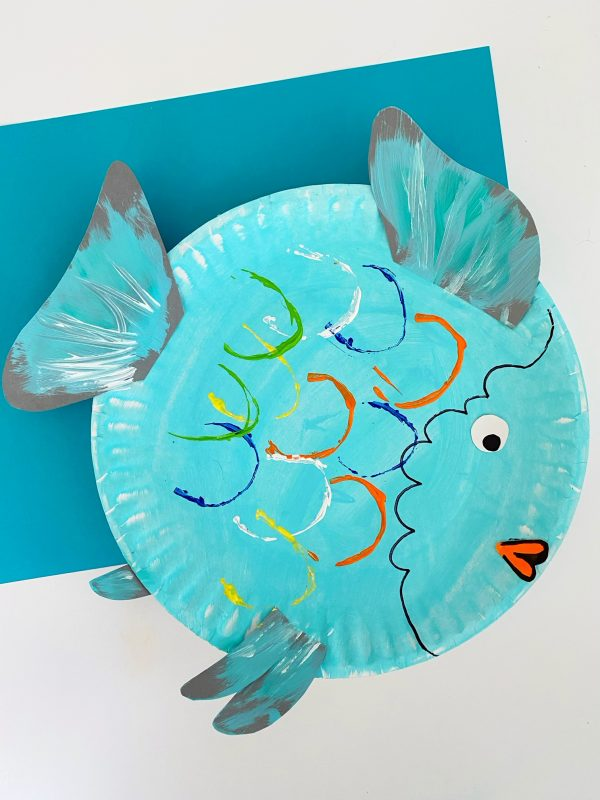 how to make a rainbow fish using a paper plate