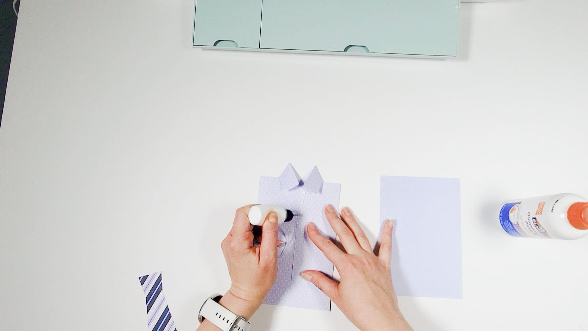 How to glue the tie to my husband birthday card svg design