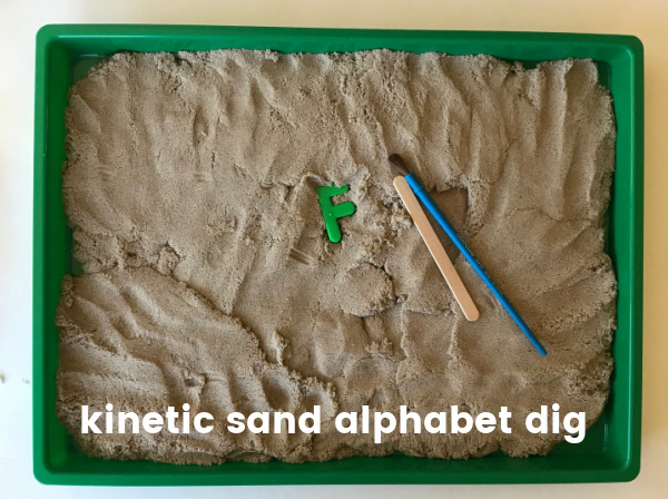 alphabet maagnetic game with knetic sand