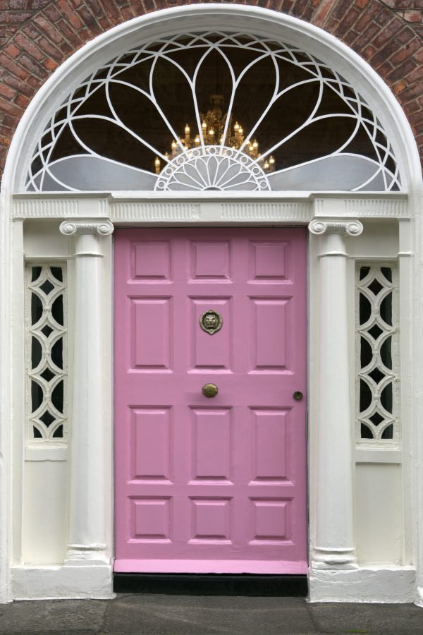 a pink front door makes a huge statement when it comes to front door decor ideas