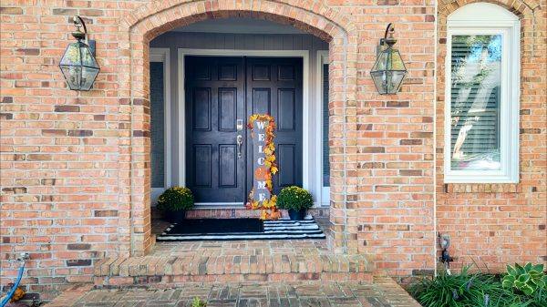 front door decor ideas with old lights